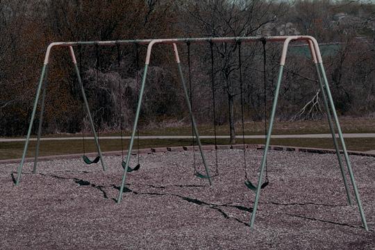 playground-swing-540